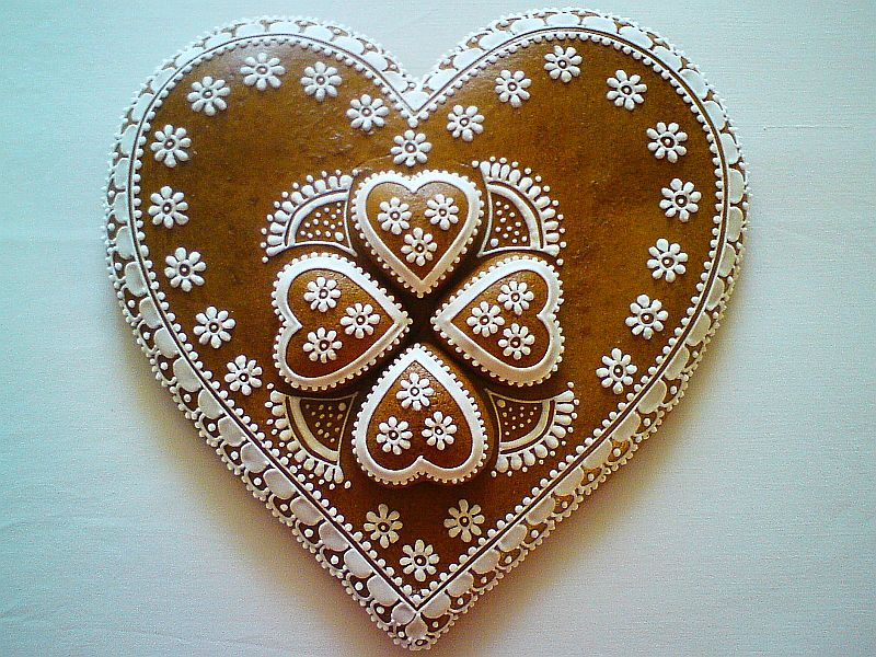 medovnicky certekova - malovane medovnicky srdcia